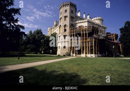 Le château néo-gothique, Hluboká nad Vltavou, autrefois propriété de la famille Schwarzenberg, a été construit comme une copie de Windsor en Angleterre.