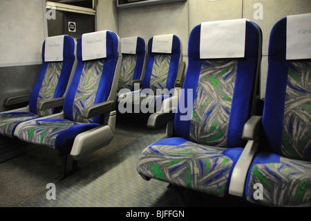 Des sièges vides en train de première classe Banque D'Images
