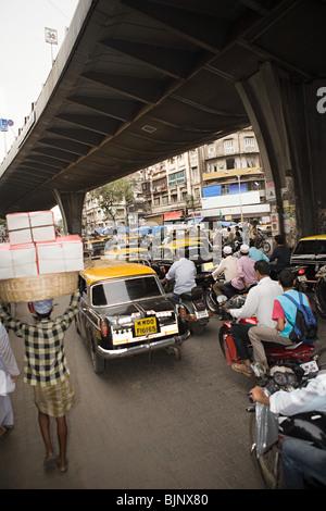 Le trafic dans Mumbai Banque D'Images