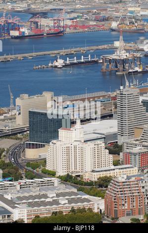 Centre-ville de Cape Town foreshore les bâtiments avec un fond du port de Cape Town Western Cape Afrique du Sud Banque D'Images