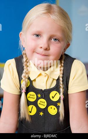 Girl wearing autocollants