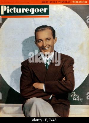 Bing Crosby (1903-1977), chanteur et acteur américain, 1944. Artiste: Inconnu