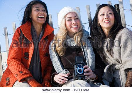 Les trois amis à la côte Banque D'Images