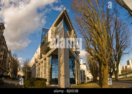 Immeuble de bureaux modernes angle vive larchitecture de verre du