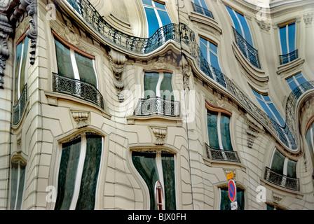 """Paris, France, l'art public surréaliste sur """"Bleecker Corp.' siège, Banque D'Images"""