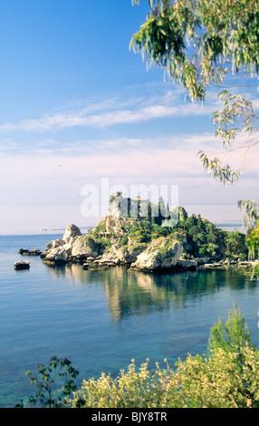 Sicile, Italie. Maison sur la petite île d'Isola Bella près de Taormina