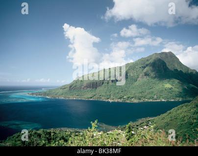 Vue sur l'embouchure de la baie de Cook, Moorea, îles de la société, Polynésie Française, Pacifique Sud, du Pacifique Banque D'Images
