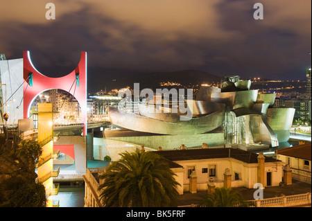 Le Musée Guggenheim, de la Canadian-American conçu par l'architecte Frank Gehry, construit par Ferrovial, Bilbao, Banque D'Images