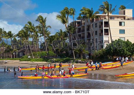 Pirogues du Sugar Beach au Kihei Canoe Club en Kihei sur l'île de Maui, dans l'État de New York USA Banque D'Images