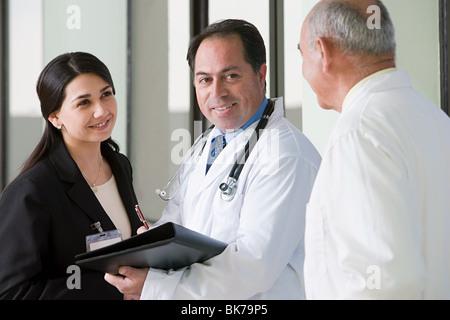 Médecins parlant Banque D'Images