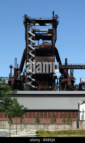 Les hauts fourneaux de l'ex-smelledery Phoenix West, aujourd'hui partie d'une entreprise et de parcs technologiques, Banque D'Images