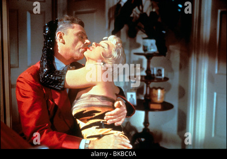 Les SEPT ANS ITCH (1955) TOM EWELL, MARILYN MONROE SYIT 001 Banque D'Images