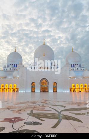 Mosquée Sheikh Zayed Bin Sultan Al Nahyan, Abu Dhabi, Émirats arabes unis, ÉMIRATS ARABES UNIS Banque D'Images