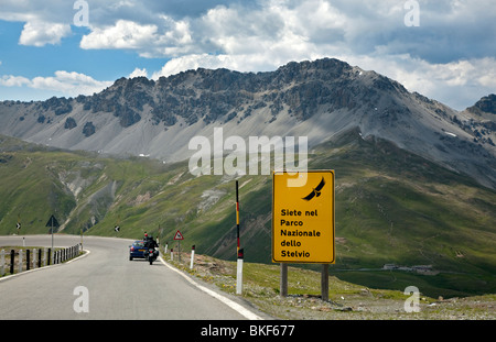 Le parc national de Stelvio Signe, col du Stelvio, Alpes, Italie Banque D'Images