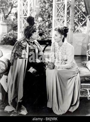 La CONQUÊTE (1937) MARIE WALEWSKA (ALT) DAME MAI WHITTY, GRETA GARBO CQST 002 P Banque D'Images