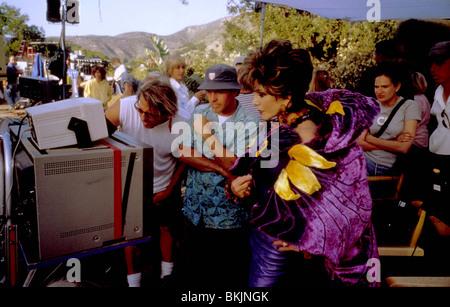 Tournage de BRIAN LEVANT (DIR) O/S 'LE FLINTSTONES IN VIVA ROCK VEGAS (2000)' AVEC BART BROWN (PRO), JOAN COLLINS Banque D'Images