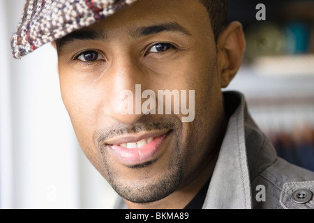African American man wearing cap Banque D'Images