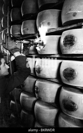 Le parmigiano reggiano, Italie 1970 Banque D'Images