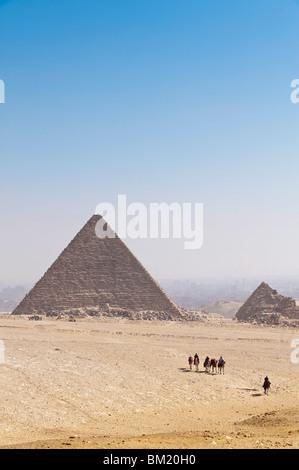 Pyramids, Giza, UNESCO World Heritage Site, près du Caire, Egypte, Afrique du Nord, Afrique Banque D'Images