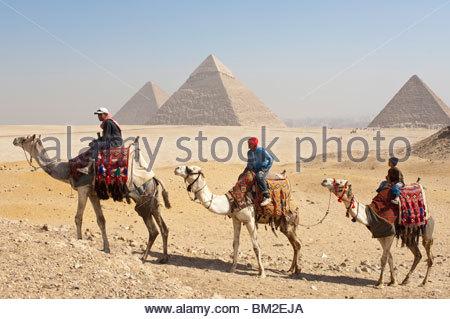 Le Pyramids, Giza, UNESCO World Heritage Site, près du Caire, Egypte Banque D'Images
