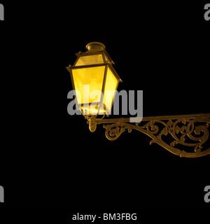 Lampe de rue la nuit Banque D'Images