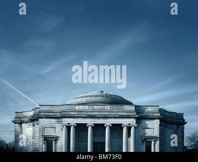 Image architecture de la galerie d'art à levier Dame Port Sunlight, Wirral, UK montrant élévation avant, piliers et la ligne de toit Banque D'Images