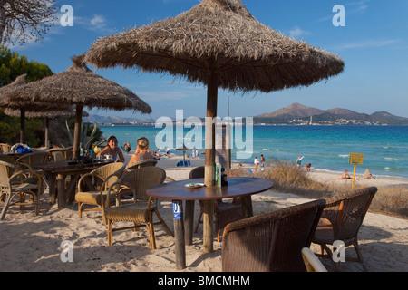 La plage de Playa de Muro, à la fin de l'été soleil la baie d'Alcudia Majorque Majorque Espagne Europe Banque D'Images