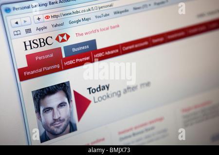 Close up d'un moniteur d'ordinateur / écran montrant le site web bancaire HSBC Banque D'Images