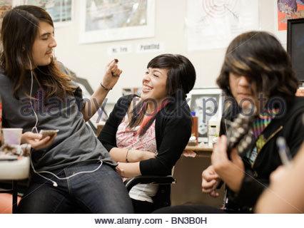 Les élèves en classe de jeu Banque D'Images