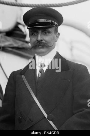L'aviateur Louis Blériot (1872 - 1936) - le premier homme à voler sur un plus lourd que l'air machine à travers Banque D'Images