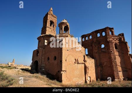 Ruinas de la Iglesia de San Martín, vista, postérieur en el Pueblo Viejo de Belchite