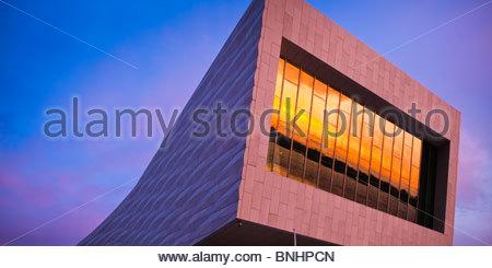 Le nouveau Musée de Liverpool Liverpool Angleterre au coucher du soleil Banque D'Images