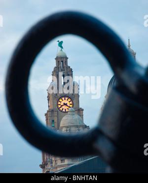 Pier Head et les trois Graces Liverpool Angleterre UK au crépuscule Banque D'Images