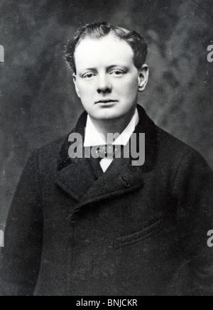 WINSTON CHURCHILL (1874-1965) Homme d'État britannique vers 1911 Banque D'Images