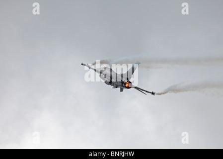 Farnborough Lockheed Martin F-16C Fighting Falcon re-chaleur
