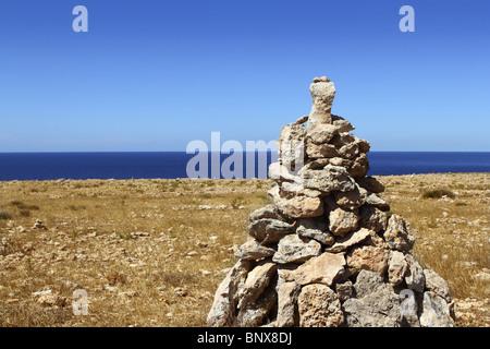 Désir des pierres pour faire un voeu, le vent l'île de Formentera