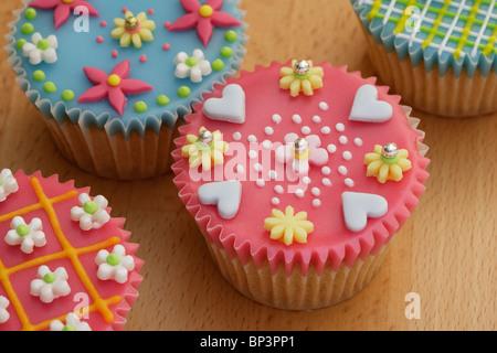 Cup cakes très décoré Banque D'Images