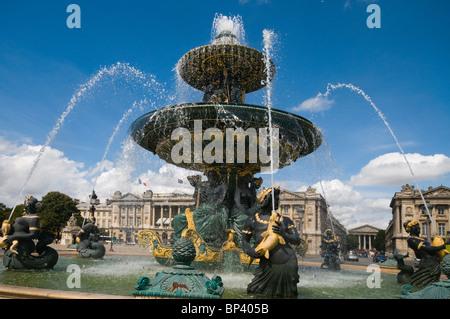 Paris, fontaines de la Concorde (1836-1840) La Fontaine de River de Commerce et de navigation Banque D'Images