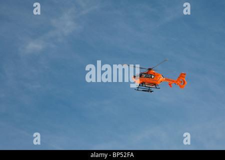 SERVICE DE SAUVETAGE AÉRIEN, hélicoptère, ski RÉGION À FELLHORN MOUNTAIN, PRÈS DE OBERSTDORF, région de l'Allgaeu, Banque D'Images