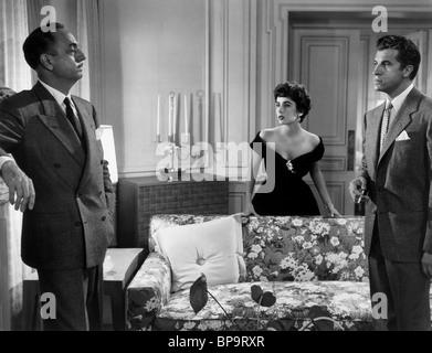 WILLIAM POWELL ELIZABETH TAYLOR & FERNANDO LAMAS LA FILLE QUI AVAIT TOUT (1953) Banque D'Images
