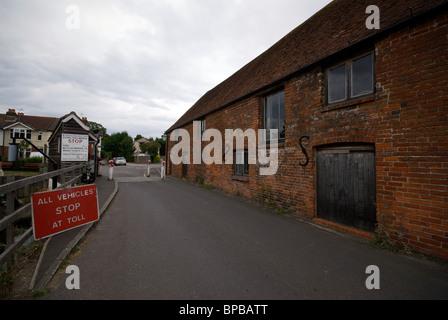 Eling Atteindre Hampshire UK moulin à marée Marina Quay Totton à Southampton Bateaux sans frais l'eau Bartley Banque D'Images