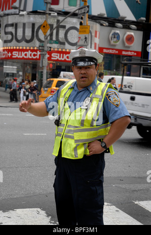 New York Citry diriger la circulation de la police de la circulation Banque D'Images