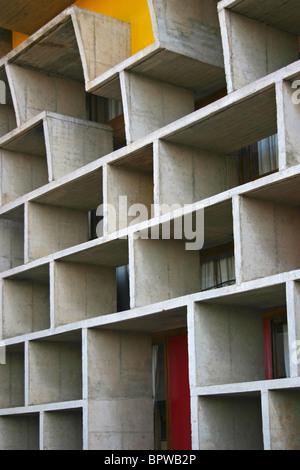 Détail de la façade de la Haute Cour de Chandigarh, Inde, conçu par Le Corbusier, Banque D'Images