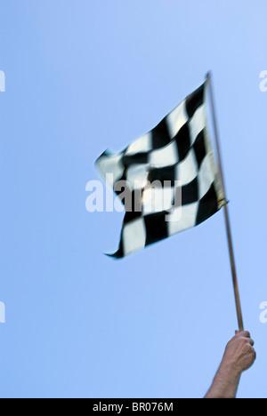 Course en damier noir et blanc d'un drapeau Banque D'Images