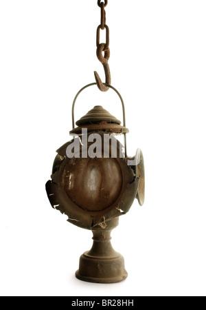 Vintage lanterne, pendaison sur la chaîne Banque D'Images