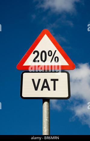 20% de TVA road warning sign England UK Royaume-Uni GB Grande Bretagne Banque D'Images