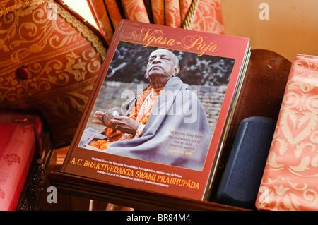Livre célébrant AC Bhaktivedanta Swami Prabhupada