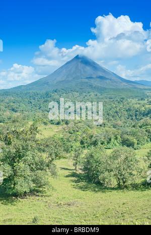 Le volcan Arenal, la Fortuna, Costa Rica, Amérique Centrale Banque D'Images