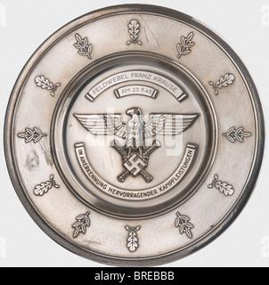 Un salver d'honneur de Luftwaffe pour conduite remarquable au combat, à Feldwebel Franz Krauser le 23 juillet 1943 Banque D'Images