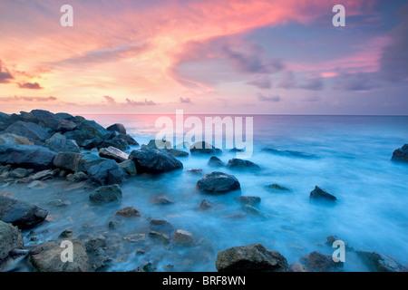 Coucher du soleil de la côte. Saint Thomas. Îles Vierges Américaines